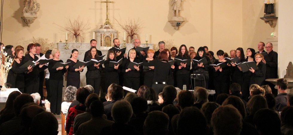 Concert des chorales Croates à Saint Bauzille de Montmel